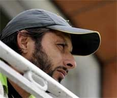 Shahid Afridi announces retirement from Test cricket