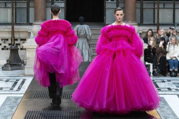 Models present creations from designer Molly Goddard during her 2019 Autumn / Winter collection catwalk show at London Fashion Week at the Durbar Court, Foreign and Commonwealth Office, in London on February 16, 2019. (Photo by NIKLAS HALLE'N / AFP)