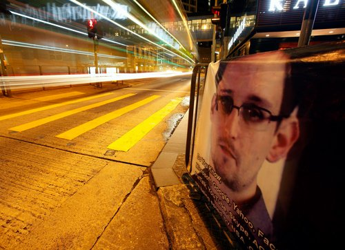 Snowden to seek asylum in Cuba or Venezuela