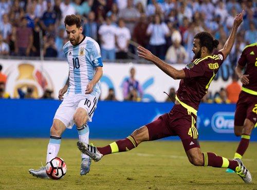 Messi record as Argentina thrash Venezuela