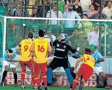 Spain run rings around India