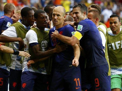 Dashing Dutch destroy sorry Spain