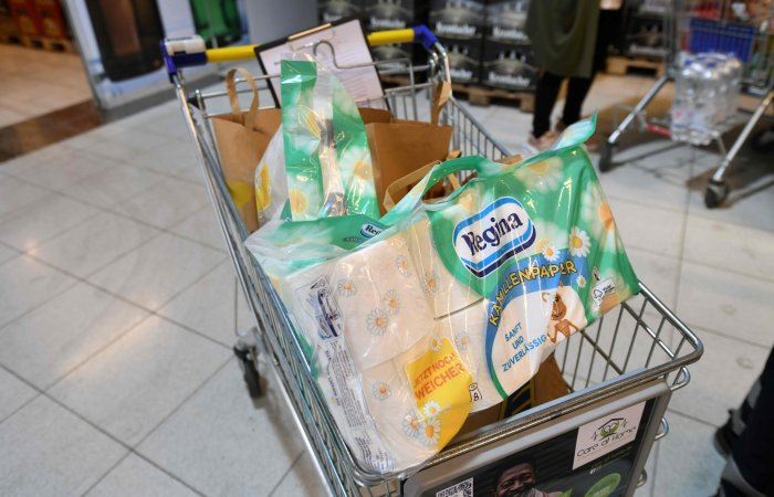 Shopping cart with toilet paper. (AFP Photo)