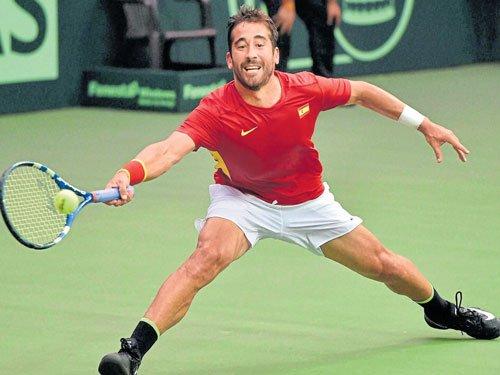 Dominant Spain blank India
