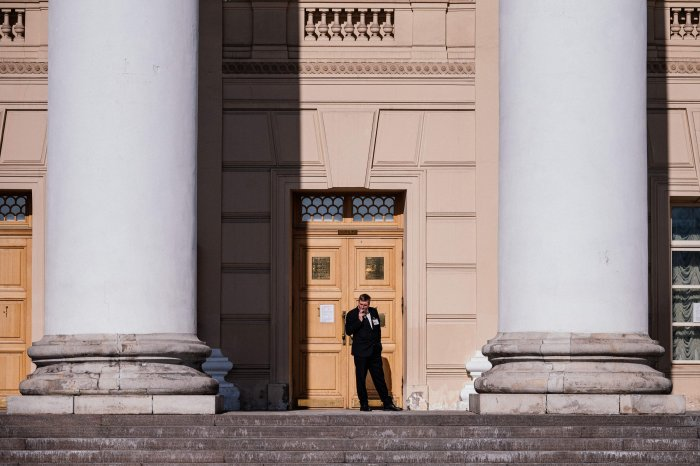 The Bolshoi earlier cancelled all of its scheduled performances between March 17 and April 10, following restrictions on public events of more than 50 people. (Credit: AFP Photo)
