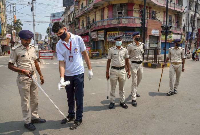 Fines slapped on violators amounted to a total of Rs 23.79 lakh, which was in addition to penalties of Rs 21.33 lakh imposed the day before. (Credit: PTI Photo)