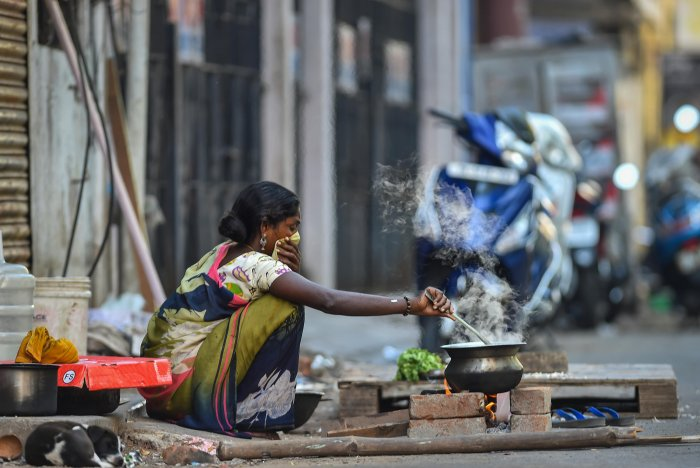The ruling party is alsoputting in place a mechanism to link up community kitchens, which can serve at least 1000 per day in order to ensure food to them. (Credit: PTI Photo)