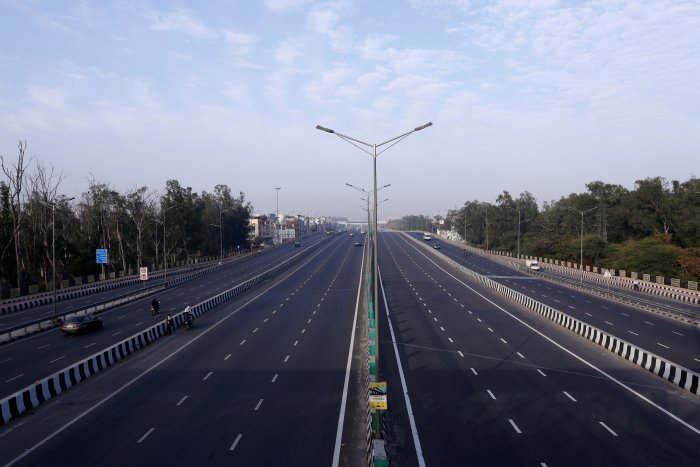 Earlier the NHAI hadsought anopinion from the Ministry of Highways on closing down toll plazas. (Credit: Reuters Photo)