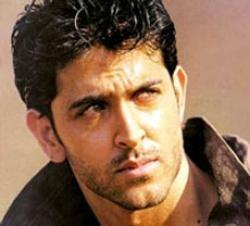 Hrithik Roshan to gain 10kgs for 'Agneepath' remake