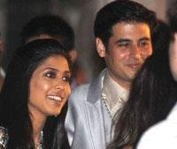 In Venice, with Shakira - big fat Indian wedding gets bigger