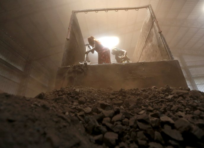 Coal power is more expensive than gas and renewables in many places and, hence, is the first fuel priced out of the market when demand falls. Its plunging use amid the lockdowns is a boon for efforts to fight climate change, hastening a shift that was already underway to weed out the dirtiest fossil fuel. (Reuters photo)