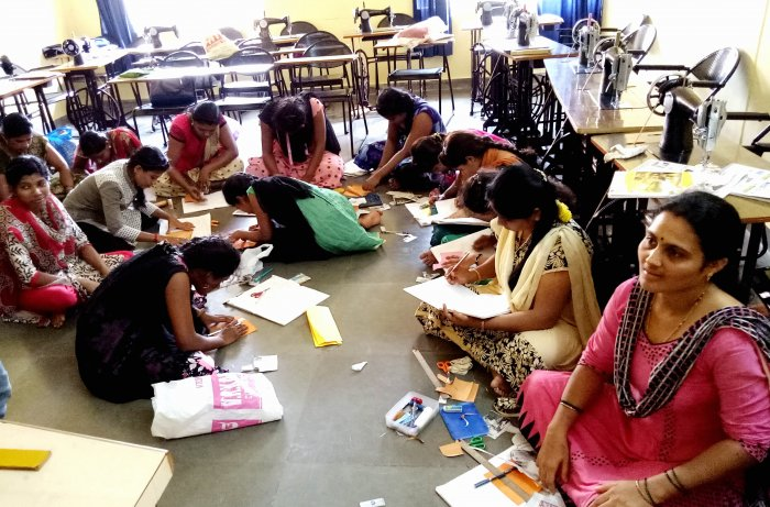 Experts, particularly those in the MSME sector, believe that the government must up its skilling game to be able to tap into the market opportunities. (DH Photo)
