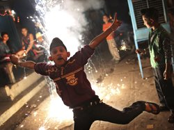 India celebrates Diwali with lights and crackers
