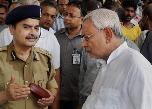 BJP targets Nitish, says CM busy receiving Cong ministers