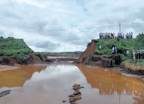 Rain wreaks havoc in 2 districts