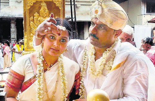 Court declares actress Shruthi's second marriage null and void