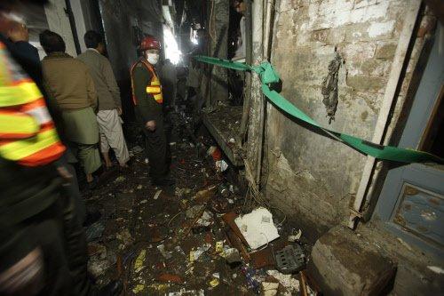 Pak: 7 killed in Peshawar suicide blast