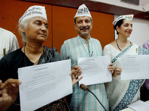 AAP unveils Mumbai manifesto, vows to decriminalise gay sex