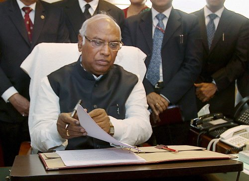 Going may not be easy for Kharge