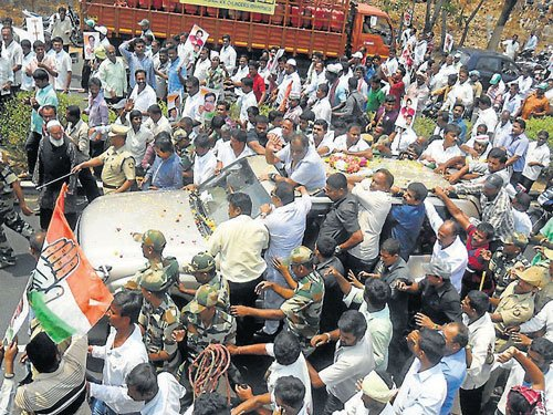 Ambi arrival: Congress rejuvenated, JD(S) camp also elated