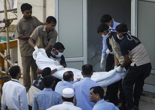 4 killed as trucks collide