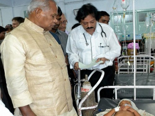 Bihar CM faces people's ire over encephalitis death