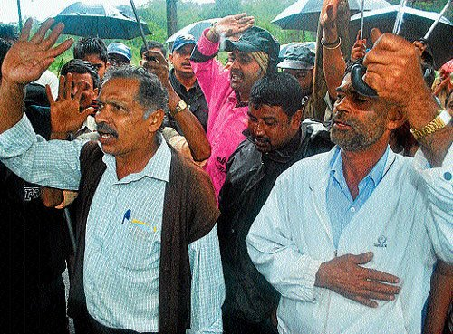 Flood-victims stage protest against Minister