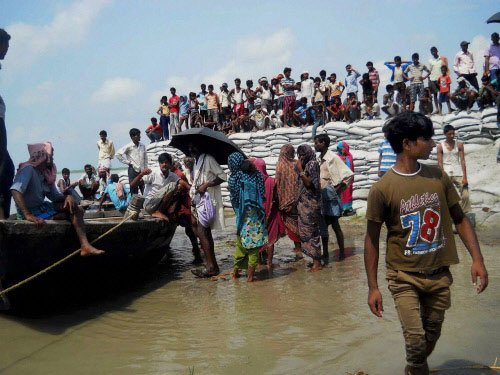 Flood threat in Kosi blows over,alert withdrawn from six dist