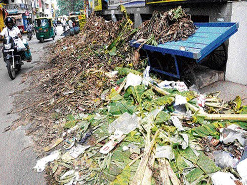 Ayudha puja leaves behind a trail of garbage across the City