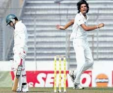 Ishant, Zaheer put India firmly in command