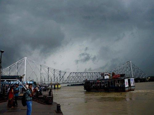 Rains lash south Bengal; road, rail traffic thrown out of gear