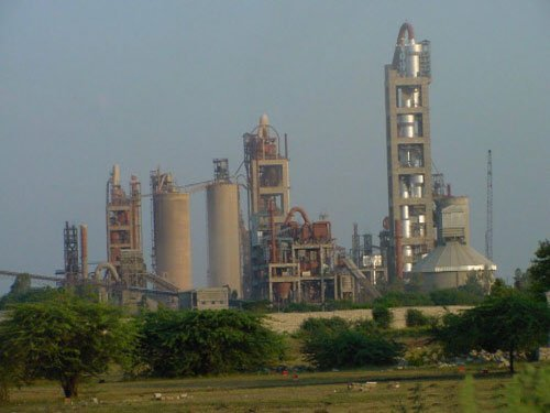 Birla's UltraTech buys JP's cement plants for Rs 17,000 cr