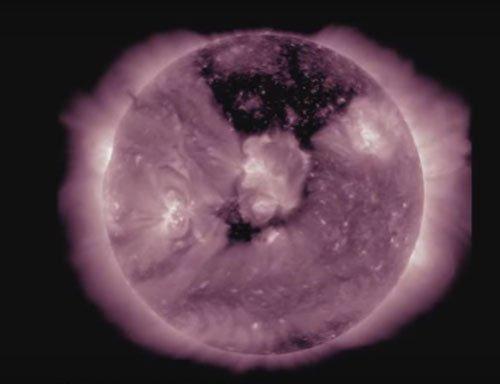 NASA spots giant coronal hole on Sun