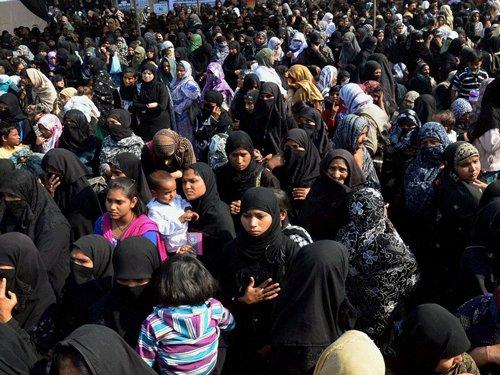 Shias seek law against triple talaq