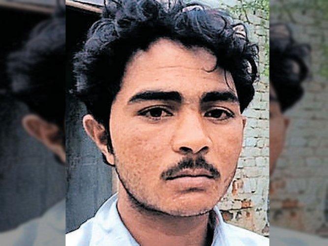 Pehlu Khan's little son still awaits father's arrival
