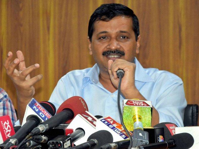 Kejriwal questions EC's 'open challenge' to hack EVMs