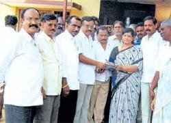 'Union government has failed to contain price rise'