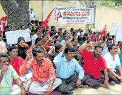 CPM workers allege police atrocity
