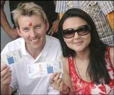 "Preity Zinta and Brett Lee are just ""good friends"""