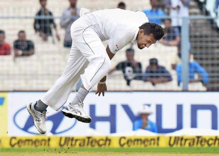 Lanka's Lakmal rocks India