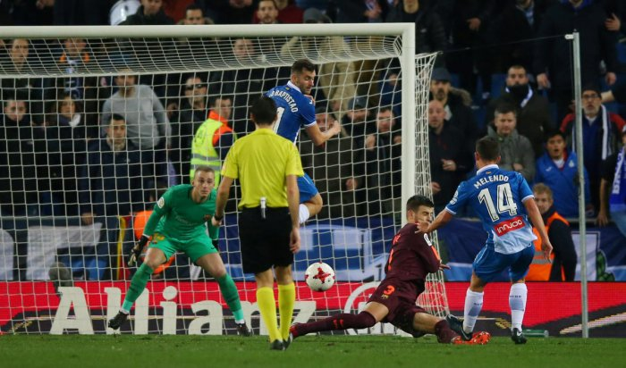 Messi misses penalty as Barca lose