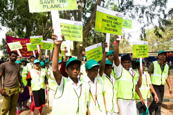 At flower show, more kids take cleanliness pledge