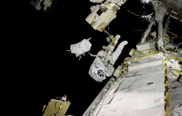 Microbes used to convert human waste into space food