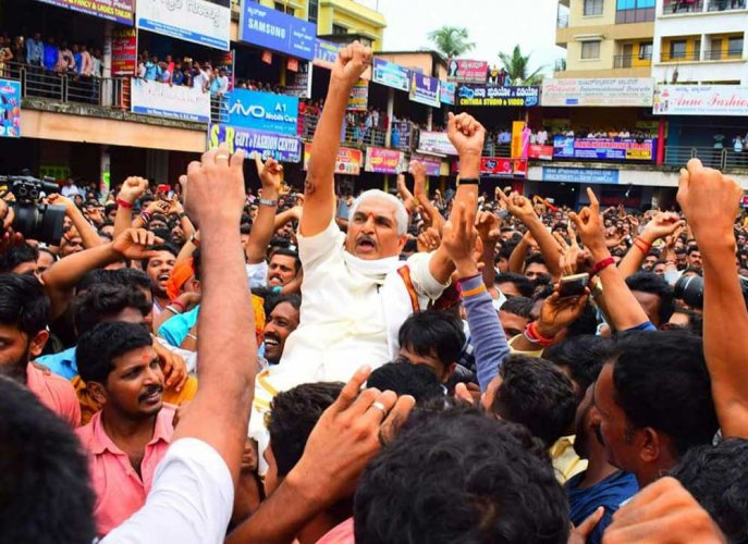 Facebook post on RSS leader draws flak in Mangaluru