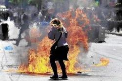 Angry Greeks take to streets