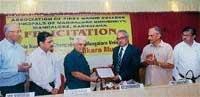 Safeguard quality of edn, VC tells principals