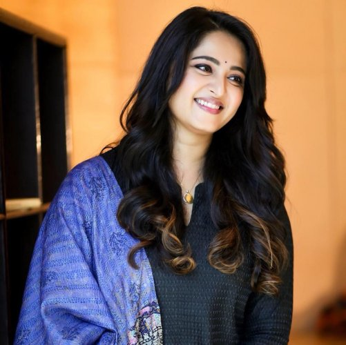 Anushka Shetty hopes the COVID-19 crisis gives us a new perspective on life  Top Indian Heroines Pictures Bollywood Actresses