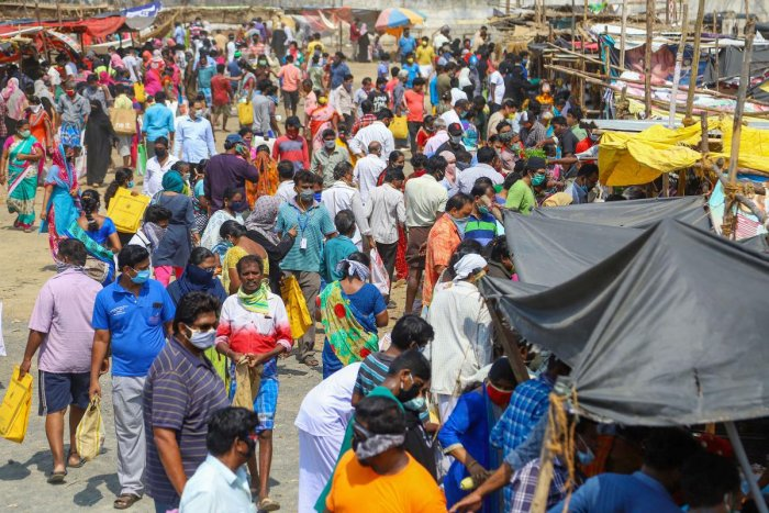 Huge crowd is seen to buy vegetables and groceries at a market, during a nationwide lockdown in the wake of coronavirus pandemic, in Chennai, Saturday, April 25, 2020. Credit: PTI Photo