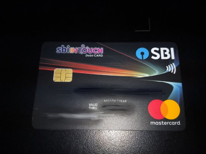 A contactless card from State Bank of India. DH Photo