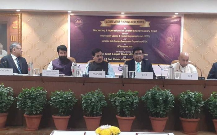 Indian Railway and Catering and Tourism Corporation (IRCTC) and Karnataka State Tourism Development Corporation (KSTDC) signed MOU here on Tuesday. (Image courtesy: Karnataka Information Centre/Twitter)